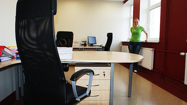 Basic Kontorimööbel töölaud sahtliplokiga, Ikea Markus töötool