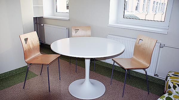 Ikea Docksta söögilaud, Tarmeko Mario toolid